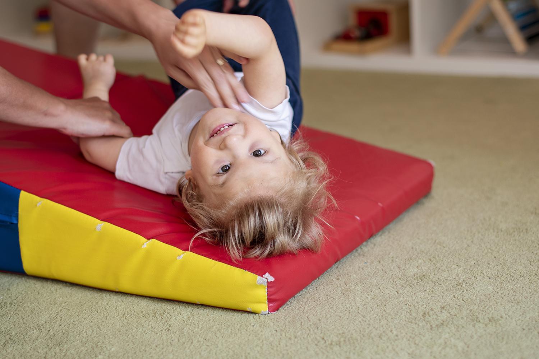 Accueillir un enfant en situation de handicap ou à besoins spécifiques - Module initial: accueillir, comprendre, accompagner