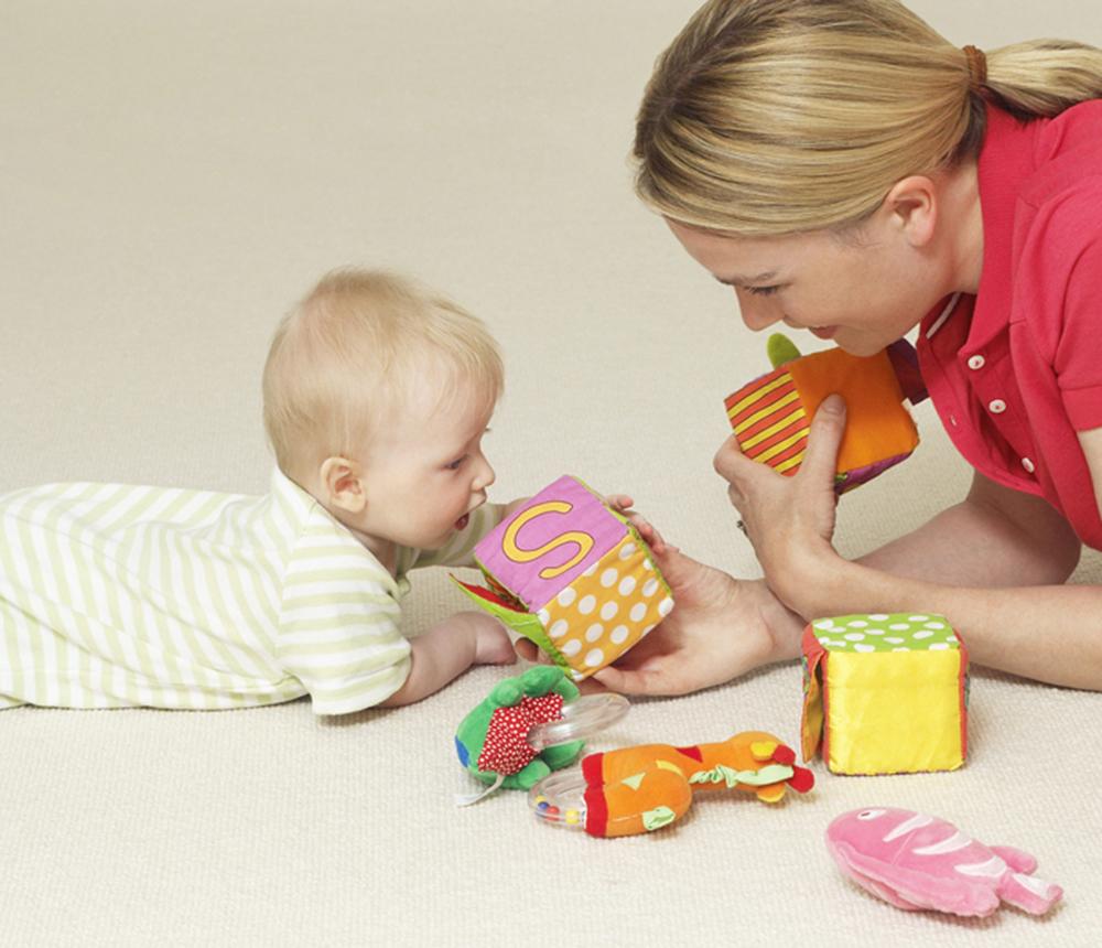 auxiliaire de puériculture et bébé