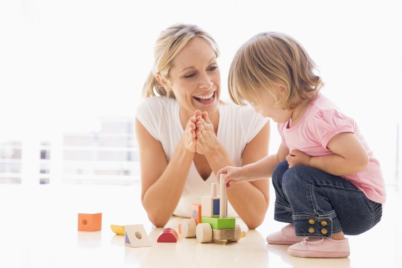femme et jeune enfant