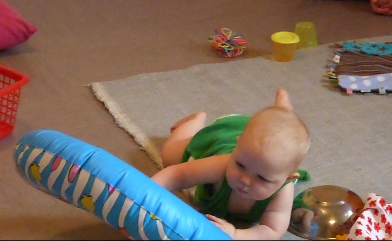 bébé à la crèche de Loczy