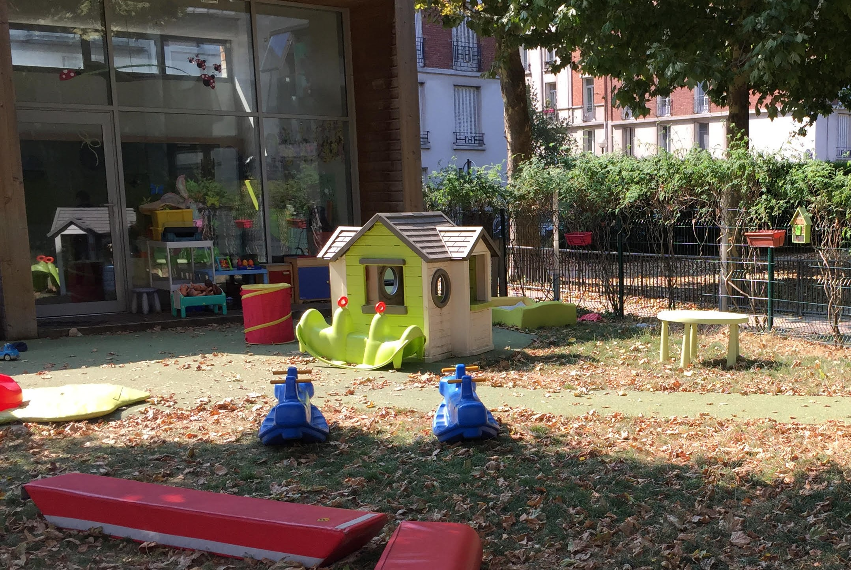 halte-garderie semi plein air Le p