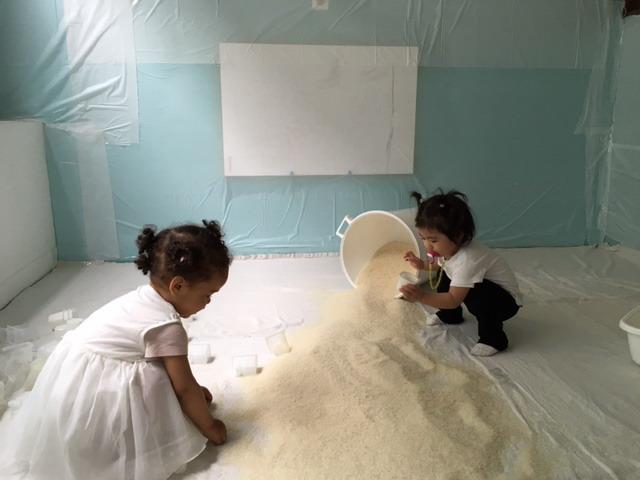 petites filles activité manuelle