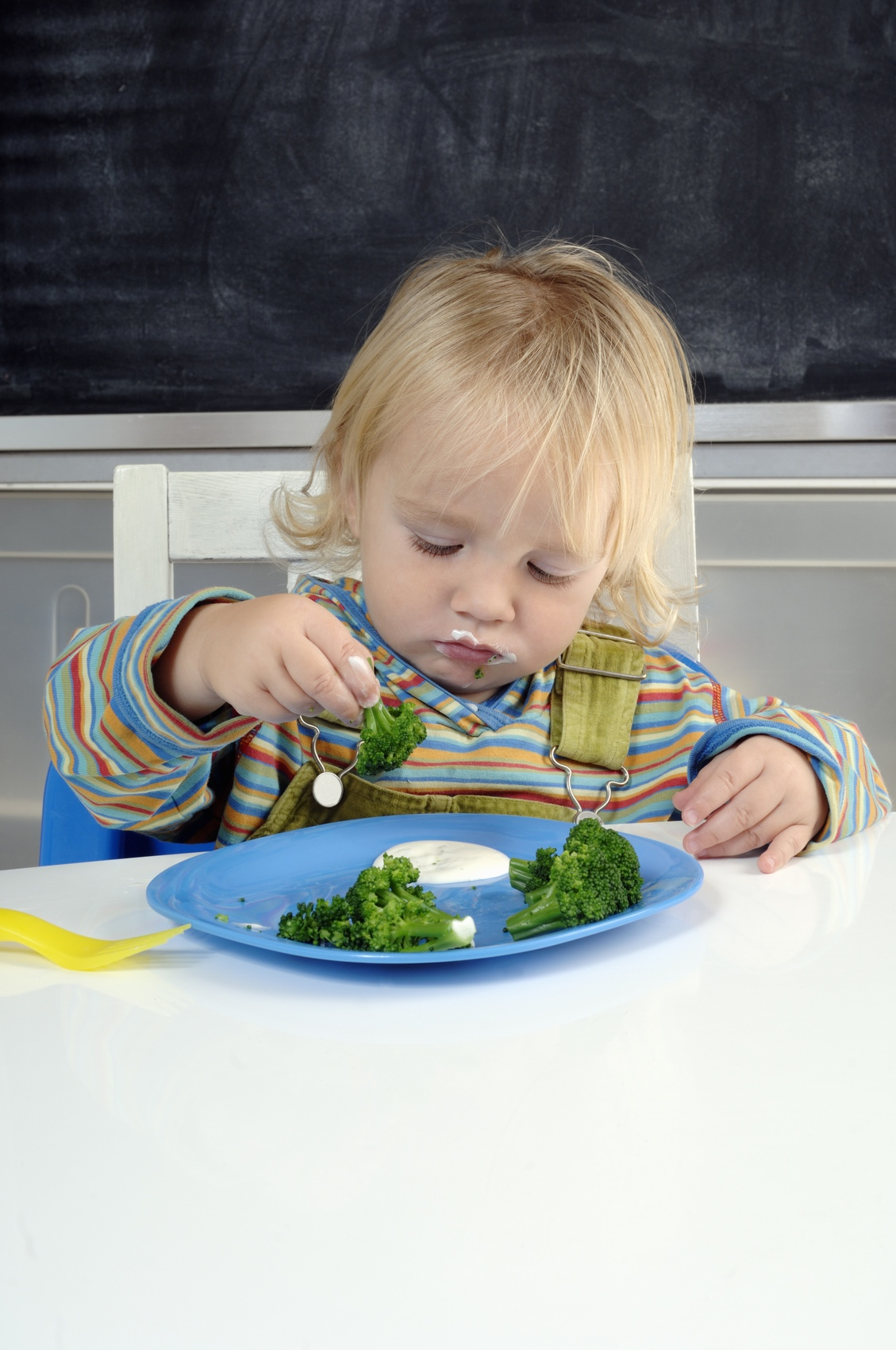 enfant en train de manger