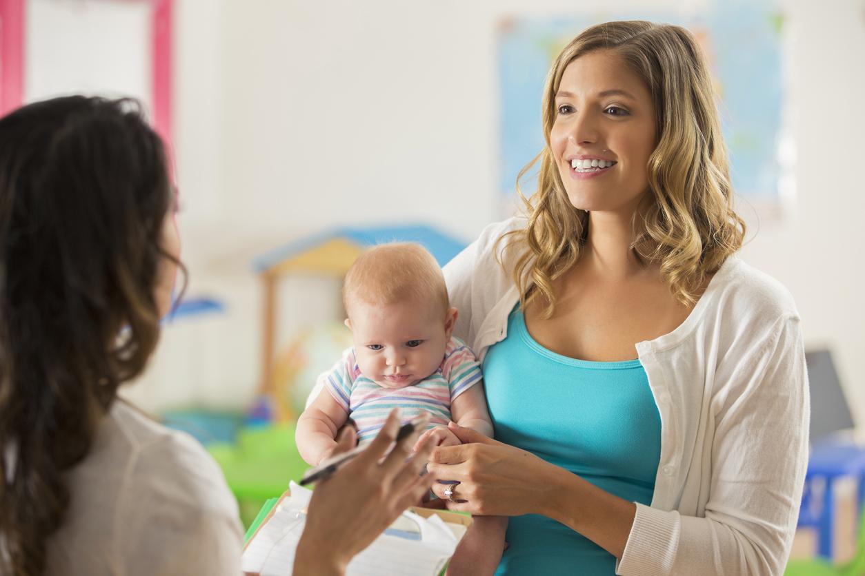 parent enfant assistante maternelle