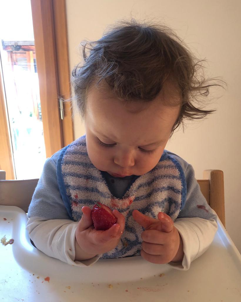 Antoine et une fraise DME