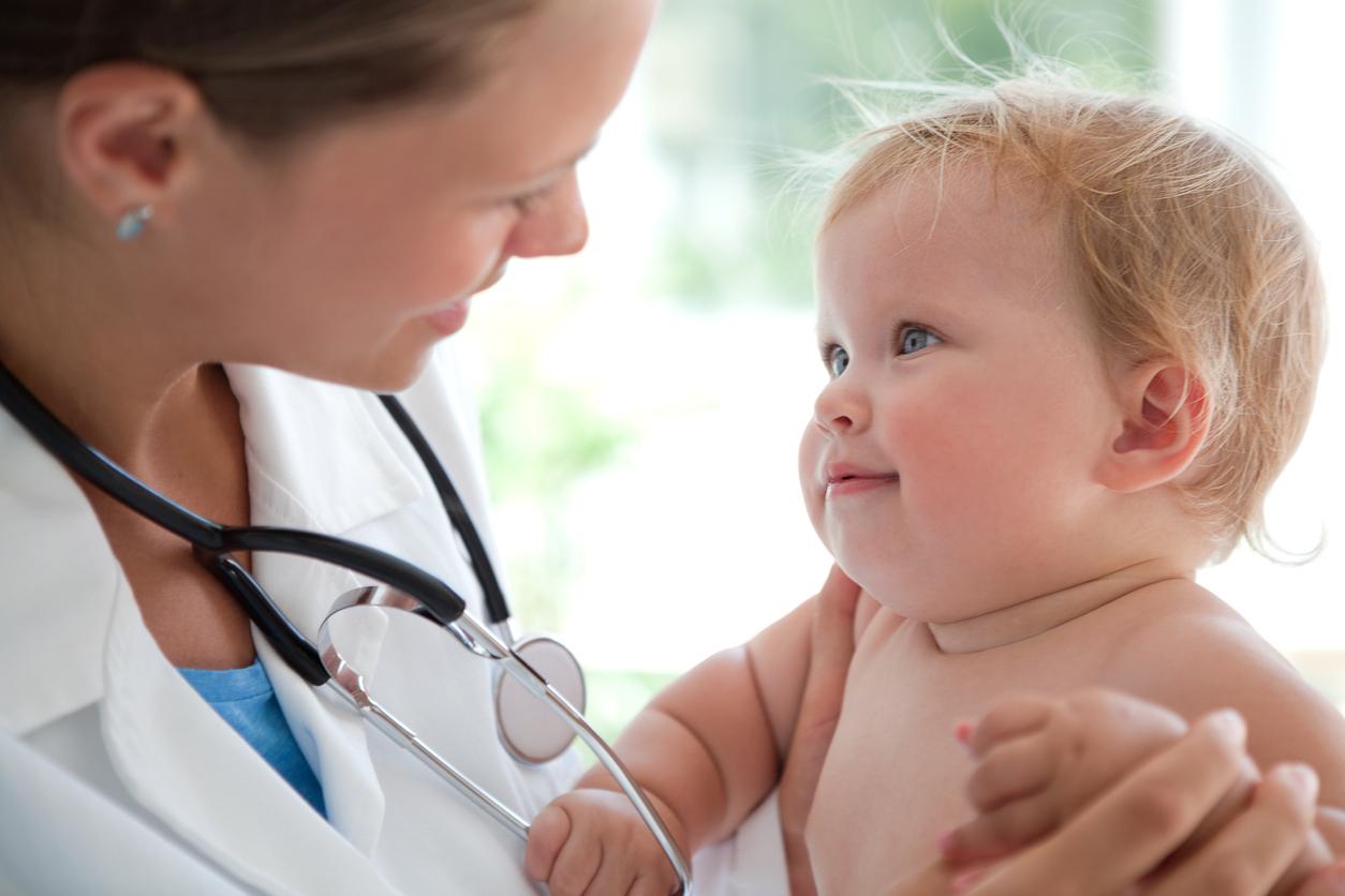 examen medical bébé