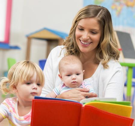 femme avec deux enfants