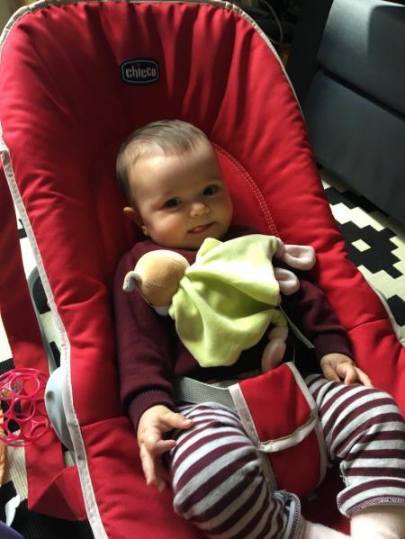 bebe dans transat