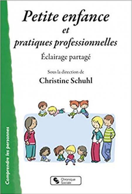 """Couverture du livre """"Petite enfance et pratiques professionnelles"""""""