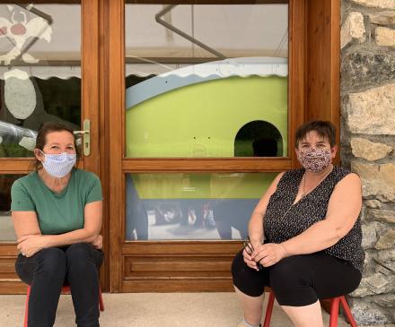 Dorothée et Nadine , directrice et adjointe de la Créche Les p'tits loups de Molines en Queyras