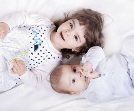 enfant et bébé