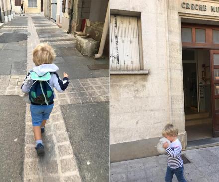 petit graçon court vers l'école et devant la crèche