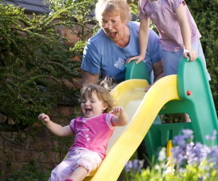 jeux de jardin avec assistante maternelle