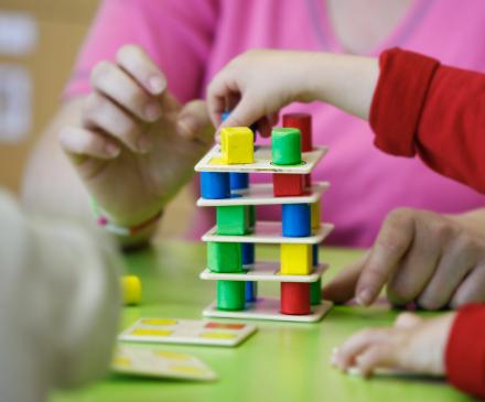 Jeux éducatifs avec tout-petit