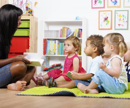 atelier lecture à la crèche