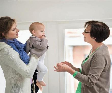dialogue maman et professionnelle