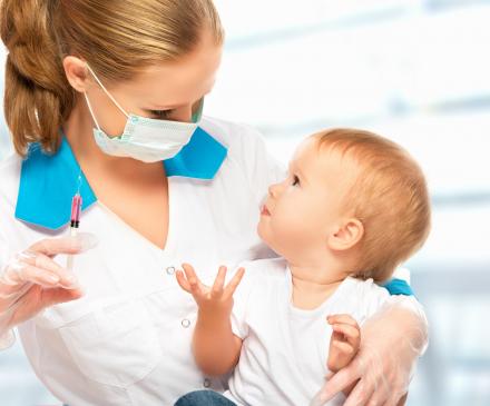 femme vaccine bébé