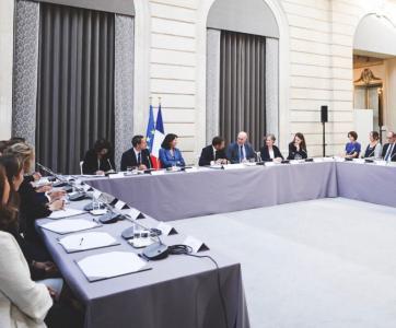 La commission des 1000 premiers jours réunie à L'Elysée