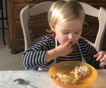 petite fille repas